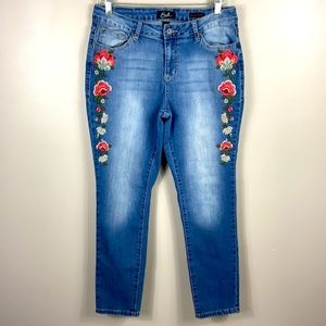 Earl Jeans Floral Embroidered Jeans size 10